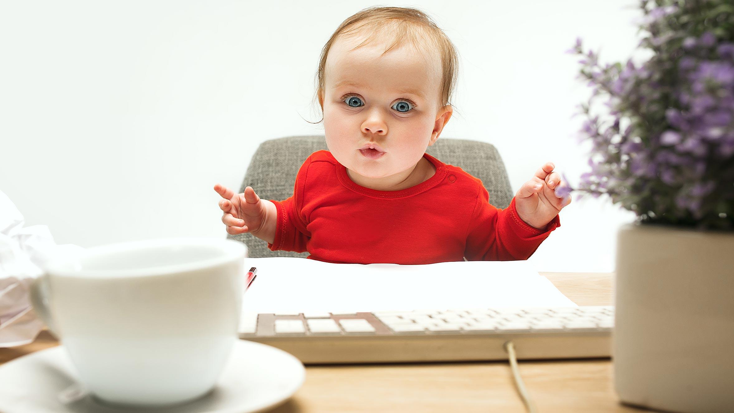 baby-vor-tastatur